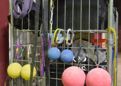 Rollyballs, resistance bands, holds
